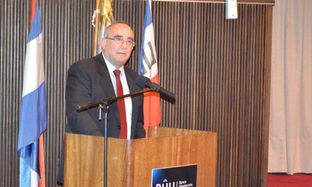 Informe del Director del BHU Dr. Gustavo Cersósimo